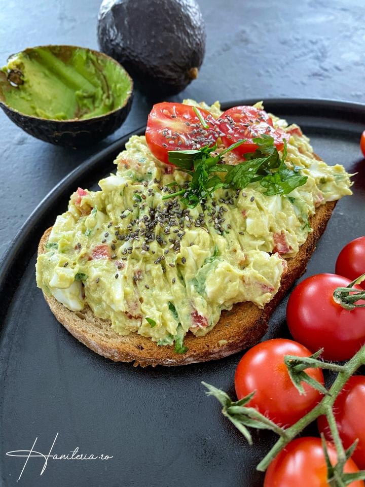 Salata de oua cuavocado